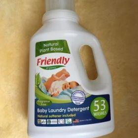 Šķidrais mazgāšanas līdzeklis bērnu drēbēm ar mīkstinātāju bez smaržvielām